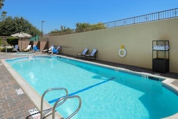 帕薩迪納科羅拉多大道智選假日套房飯店 Holiday Inn Express Hotel and Suites Pasadena-Colorado Blvd, an IHG Hotel
