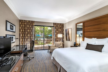 Room, 1 King Bed, Pool Access (First Floor)