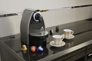 MITSUI GARDEN HOTEL GINZA PREMIER Coffee and/or Coffee Maker