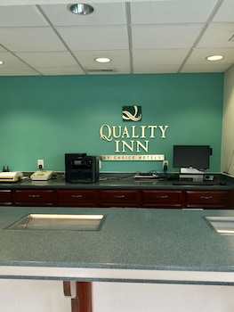 Reception at Quality Inn Little Creek in Virginia Beach