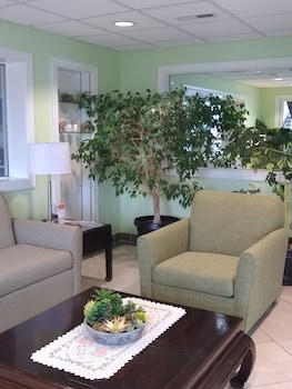 Lobby Sitting Area at Quality Inn Little Creek in Virginia Beach