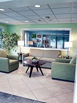 Lobby Lounge at Quality Inn Little Creek in Virginia Beach
