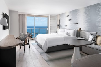 Luxury Room, 1 King Bed, Oceanfront