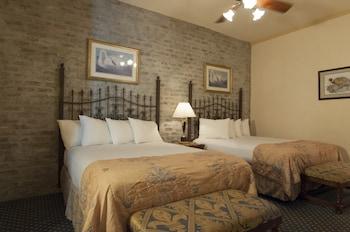 Room, 2 Queen Beds (Windowless)