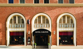 Book Hotel Carlton, a Joie de Vivre Boutique Hotel in San Francisco.