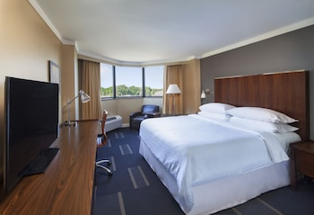 Room, 2 Double Beds, Lake View