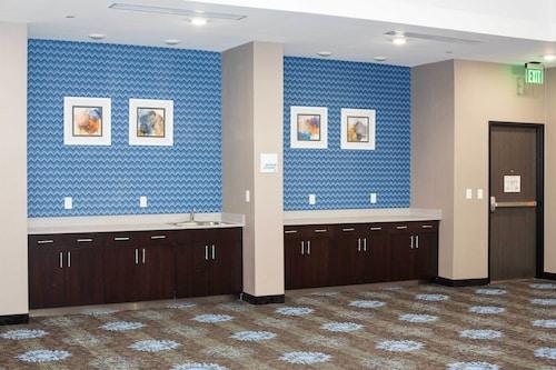 Holiday Inn Express & Suites Oklahoma City Southeast I-35, Oklahoma