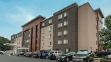 La Quinta Inn & Suites by Wyndham Baltimore BWI Airport