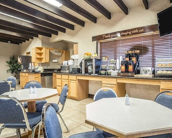 Rodeway Inn Baker City - Breakfast Area  - #0