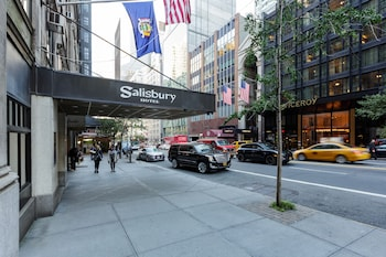 Street View at Salisbury Hotel in New York