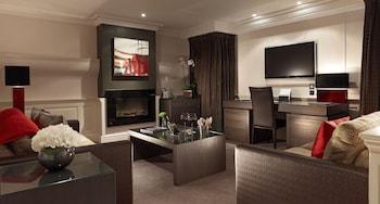The Apartment Suite