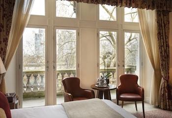 Deluxe Double Room, 1 King Bed, Garden View