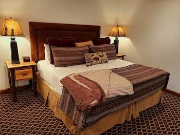 Cottage Master Suite 52