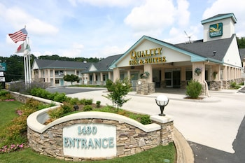 Asheville Vacations - Quality Inn & Suites Biltmore East - Property Image 1
