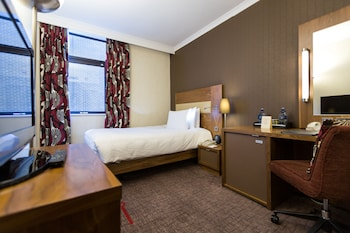 Single Guest Room