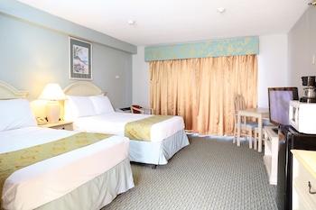 Standard Room, 2 Double Beds (3rd Floor Side Ocean View)