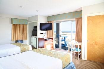 Room, 2 Queen Beds, Oceanfront (2nd Floor)