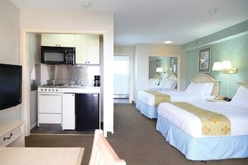 Efficiency, 2 Double Beds,  Side Ocean View, 1st Floor