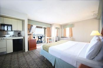 Room, 1 King Bed, Oceanfront (3rd Floor)