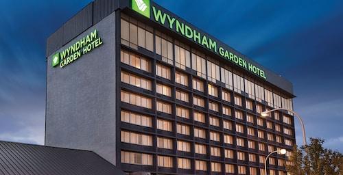 . Wyndham Garden at Niagara Falls