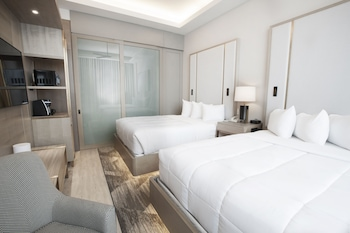 Suite, 2 Queen Beds, View (Skyline View, Sky Floor)