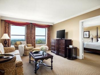 Suite, 1 King Bed (Langham Club Suite)