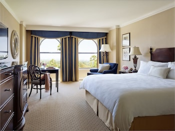 Deluxe Room, 1 King Bed (Deluxe King)