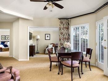 Suite (Wisteria Cottage)