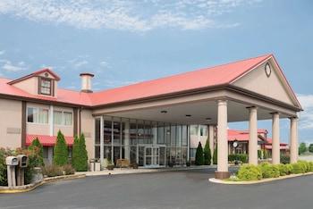 鮑林格林溫德姆華美達飯店 Ramada by Wyndham Bowling Green