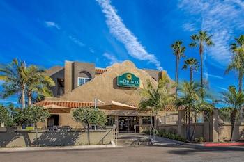 卡爾斯巴德 - 樂高樂園區溫德姆拉昆塔套房飯店 La Quinta Inn & Suites by Wyndham Carlsbad - Legoland Area
