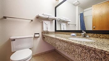 Best Western Of Huron - Bathroom  - #0