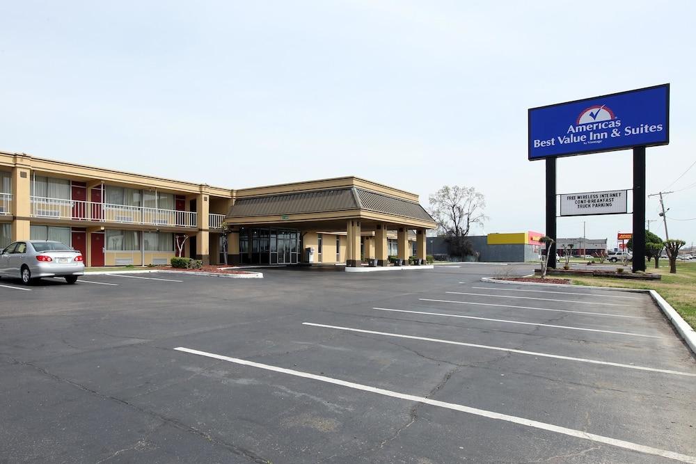 格林維爾美洲最佳價值套房酒店