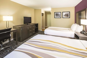 Deluxe Room, 2 Double Beds, Non Smoking (Deluxe Family Room)