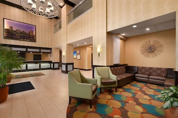 Lobby at Days Inn by Wyndham Baltimore Inner Harbor in Baltimore