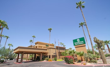 Hotel - GreenTree Inn & Suites