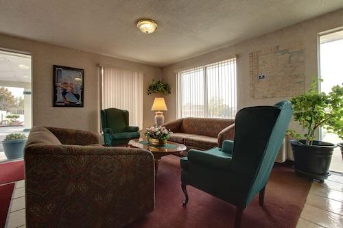 . Extended Stay Warrenton Inn