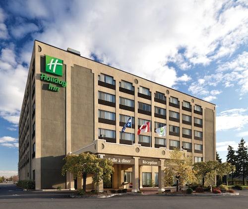 . Holiday Inn Montreal Longueuil, an IHG Hotel