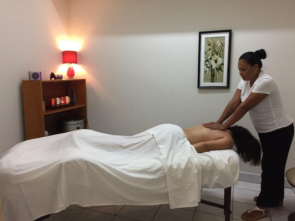 선브리즈 호텔(Sunbreeze Hotel) Hotel Image 13 - Massage