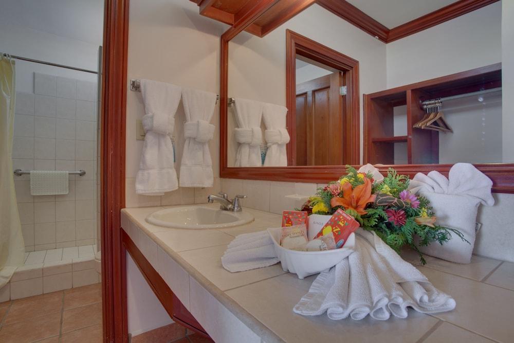 선브리즈 호텔(Sunbreeze Hotel) Hotel Image 8 - Bathroom