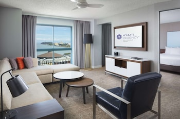 Suite, Bay View