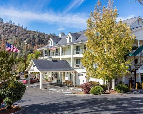 . Quality Inn Yosemite Valley Gateway