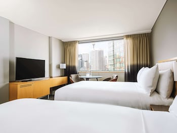 Deluxe Double Room, 2 Double Beds, View (Skyline View)