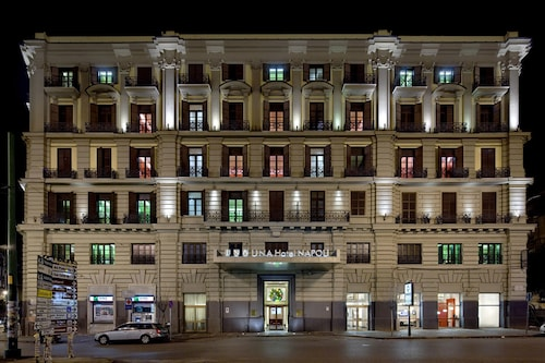 __{offers.Best_flights}__ UNAHOTELS Napoli