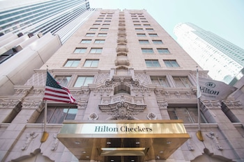 希爾頓切克斯飯店 Hilton Checkers