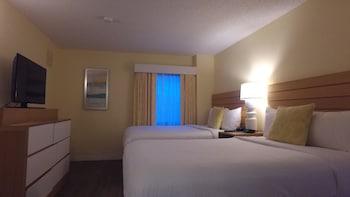 Guestroom at Sonesta ES Suites Orlando - International Drive in Orlando
