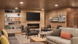 Country Inn & Suites by Radisson, Sevierville-Kodak, TN.