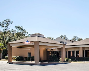 彭薩科拉灣景凱藝套房飯店 Quality Inn & Suites Pensacola Bayview