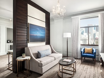Suite, 1 Bedroom, View (Larger Suite, Landmark)