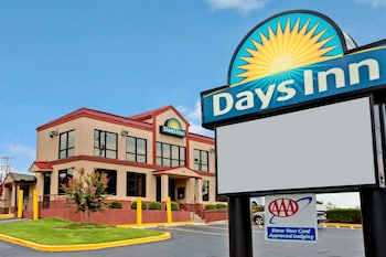 Hotel - Days Inn by Wyndham Lawrenceville