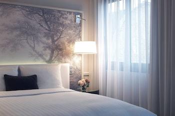 Deluxe Room, 1 Queen Bed, Garden View